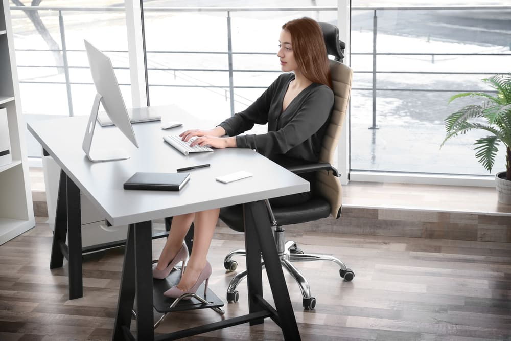 Strange Proper Sitting Posture At A Computer According To Experts Gmtry Best Dining Table And Chair Ideas Images Gmtryco