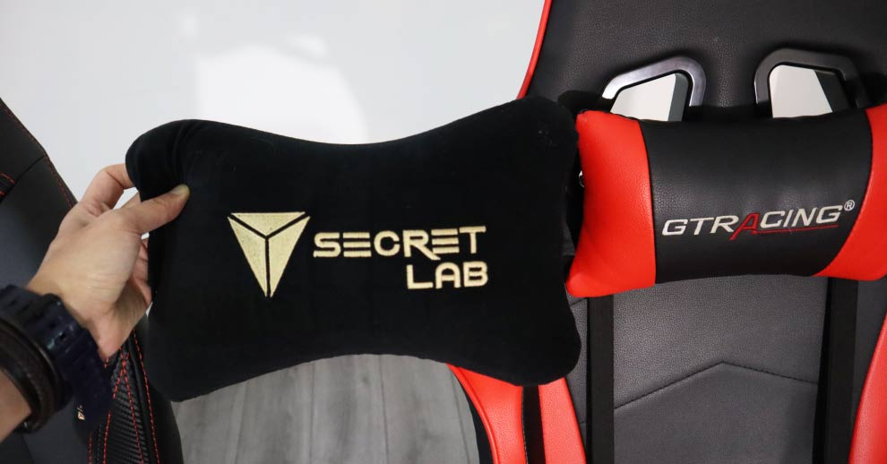 Secretlab Titan external neck pillow
